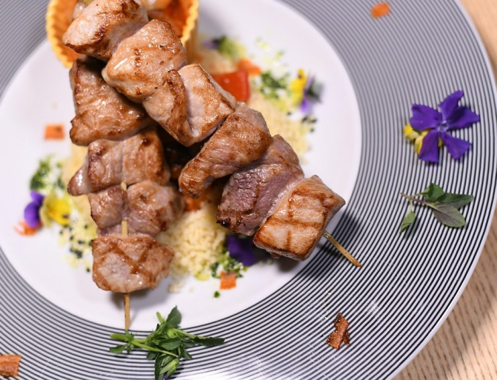 Jagnjeći kebab na Kus-kusu i Ragu od 7 vrsta povrća